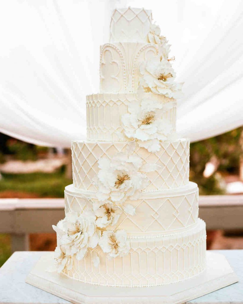 Nancy Nathan Wedding Cake 1124 6141569 0816 Vert