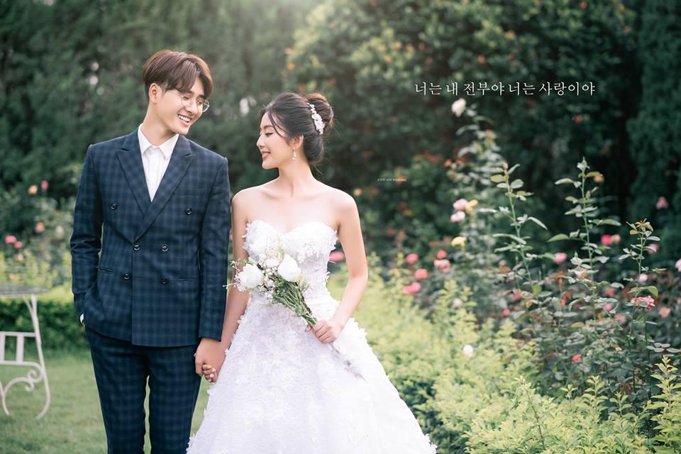 Hình ảnh mẫu váy cưới thuộc thương hiệu John Kim Wedding