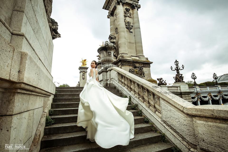 hình ảnh một mẫu váy cưới thuộc thương hiệu Mr.Lee Studio