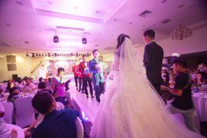 Hình ảnh minh họa cho nghi lễ cưới tại trung tâm tiệc cưới