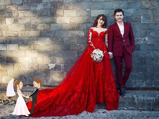 Nếu đám cưới được tổ chức vào buổi tối trong nhà hàng hoặc khách sạn thì các cặp đôi uyên ương có thể lựa chọn gam màu đỏ đậm để tăng thêm nét nổi bật cho bản thân. Xem nguồn ảnh.