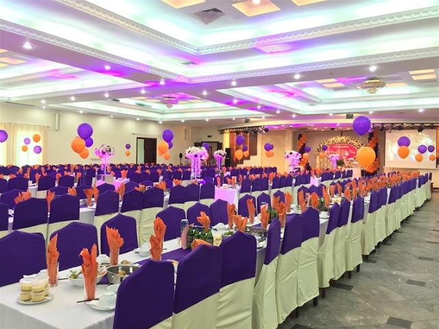Nhà hàng Công ty Khách sạn du lịch Kim Liên là một trong nhữngđịa điểm tổ chức tiệc cưới ở Hà Nội có thái độ phục vụ văn minh - lịch sự,tạo ra không khí thoải mái khiến quý khách cảm thấy được sự gần gũi, ấp áp như gia đình.
