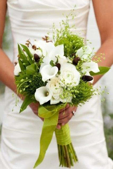 Hình minh họa mẫu hoa cưới mùa hè đẹp cho cô dâu.