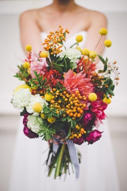 Hình ảnh minh họa mẫu hoa cưới mùa hè đẹp