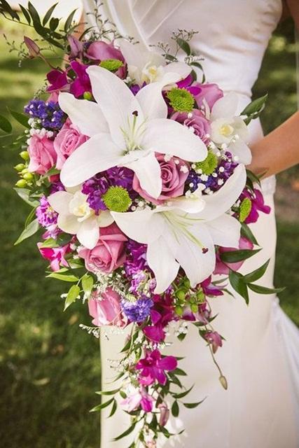 Hình ảnh minh họa mẫu hoa cưới mùa hè