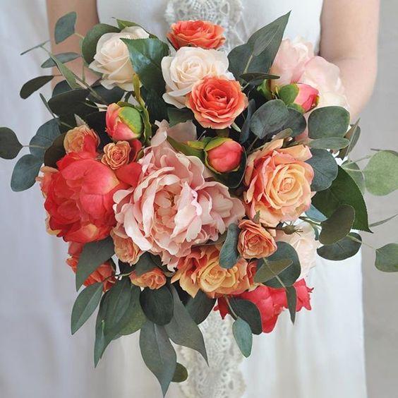 Hình ảnh minh họa bộ sưu tập hoa cưới mùa hè đẹp