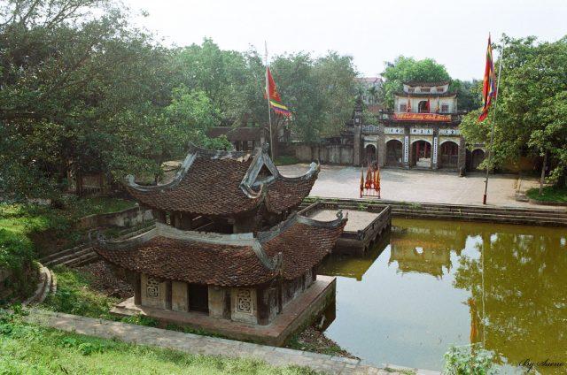 Chụp ảnh cưới cổ trang ở Đền Phù Đổng