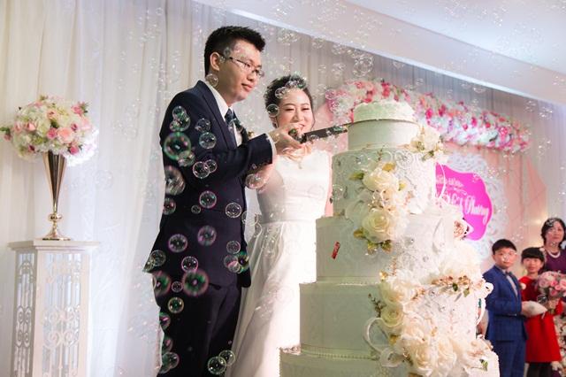 Hình ảnh minh họa trang trí tháp bánh cưới